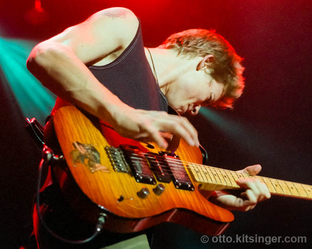 Live concert photo of Jonny Lang