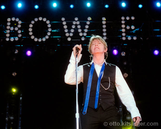 Live concert photo of David Bowie