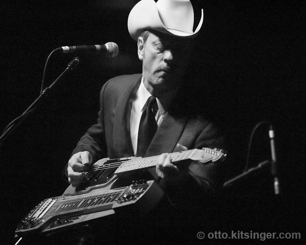 Live concert photo of Junior Brown