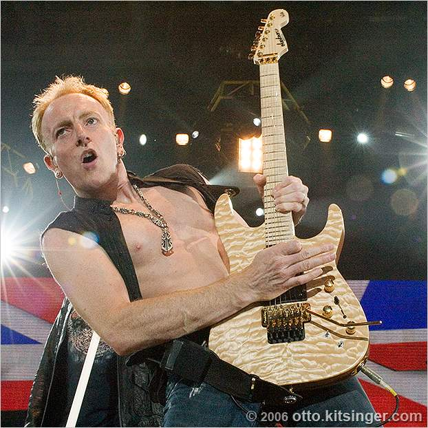 Live concert photo of Def Leppard