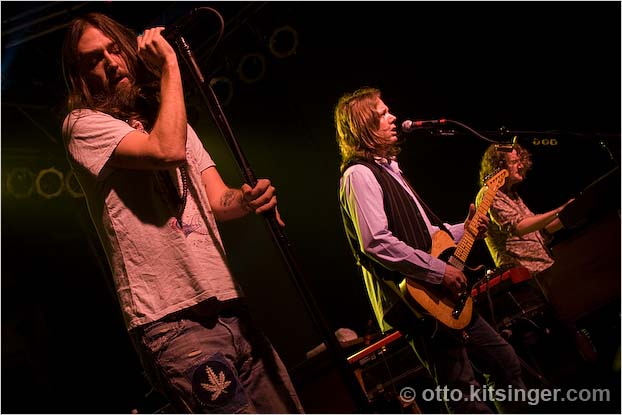 Live concert photo of The Black Crowes