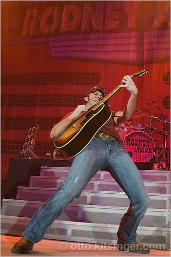 Live concert photo of Rodney Atkins