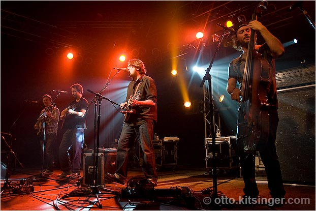 Live concert photo of Yonder Mountain String Band