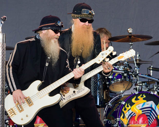 Live concert photo of ZZ Top