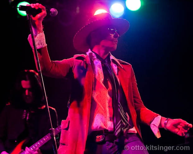 Live concert photo of Scott Weiland